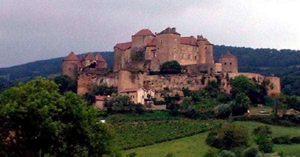 burgundy-castle.JPG