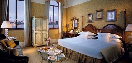 san-clemente-palace-room.jpg
