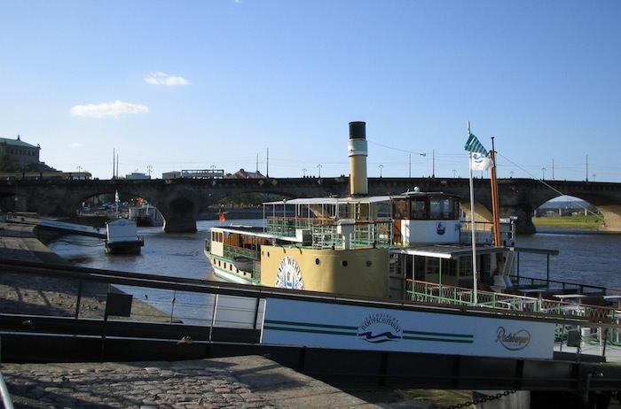 The paddle wheeler Sachsische Dampfschiffahrt
