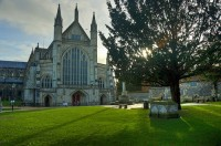hdr-winchester-cathedral-rene-eberhardt