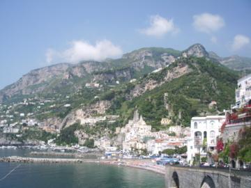 overlooking-the-amalfi-foreshore-and-esplanade