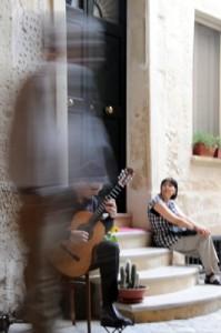 a-street-musician-in-lecce