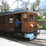 tren-de-soller-antique-train-1