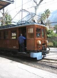 tren-de-soller-antique-train-1