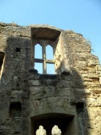 bodiam-ruins-inside-castle