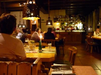 german bargoers enjoy german cocktails