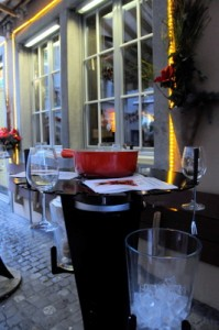 tables-designed-for-fondue