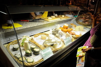 a-wide-selection-of-cheese-at-il-mercatino-del-gusto