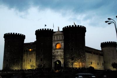castle-nuovo