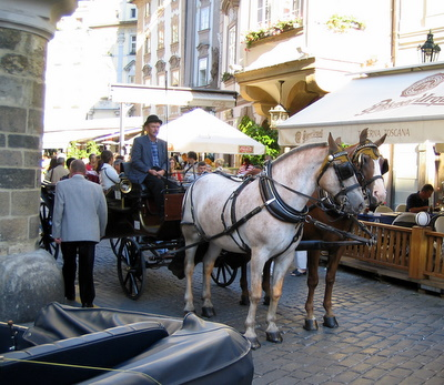 prague-horse-and-carriage