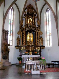 herzo-9-old-town-church-altar-2