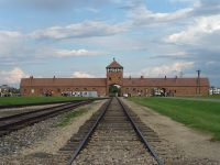 Birkenau_gate Auschwitz
