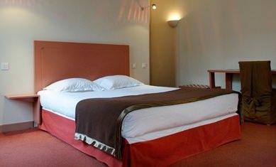 hotel_Nimes_new_la_baume_gare_arenes