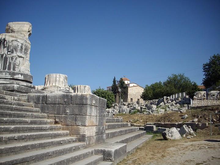 Steps to main temple Didyma