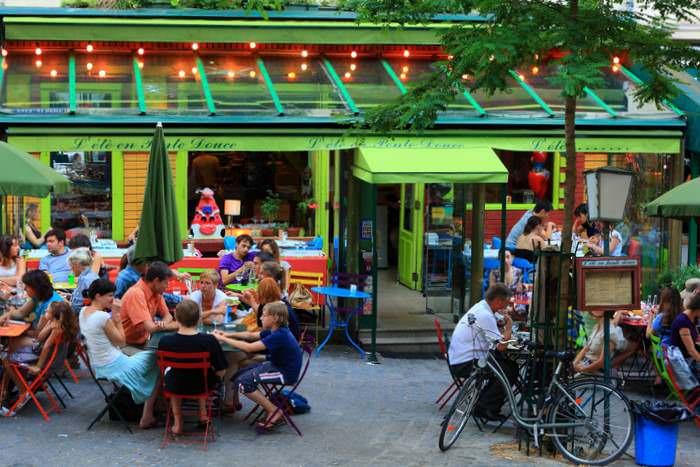 colorful tables at L' ete en pente douce