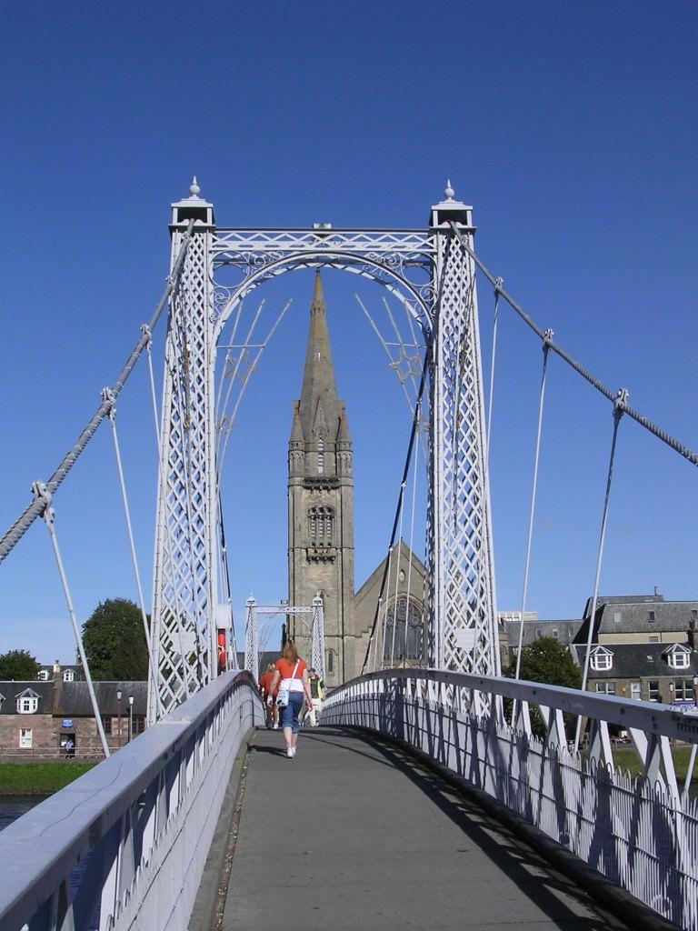 Pedestrian bridge over the River Ness - Inverness