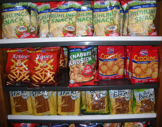 kadewe offering Snacks in the world food section