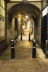 London on Foot: a Haunted House and Jack the Ripper