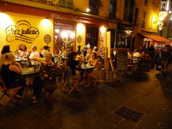 eating al fresco at Chez Juliette in Nice