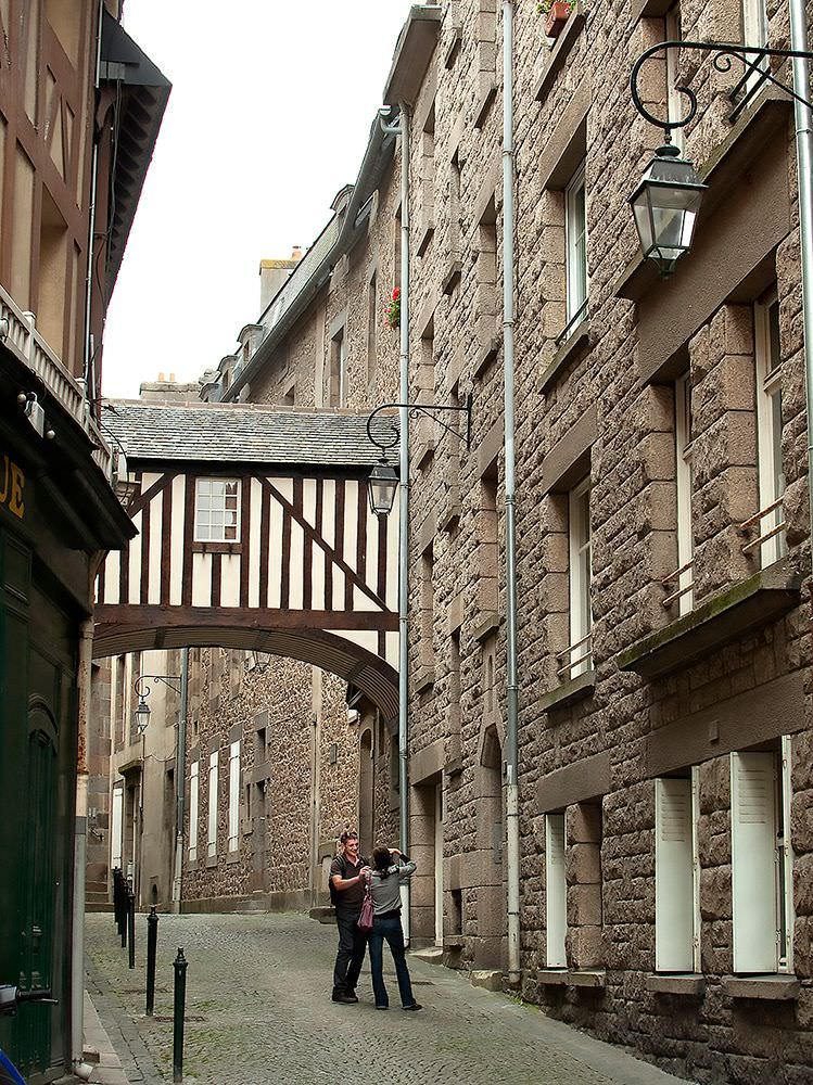 A half-timbered bridge in a back street reminds us of a much older St-Malo