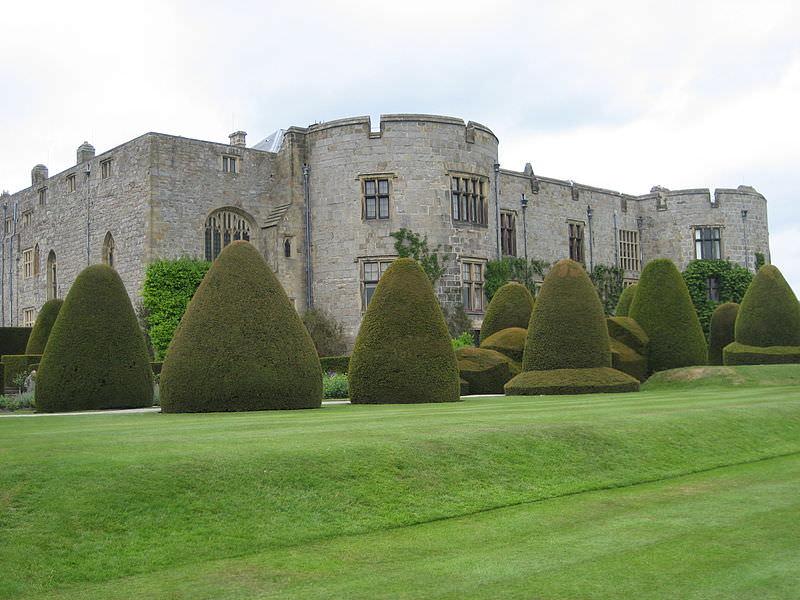 Chirk Castle & Topiary- Reiner Tegtmeyer