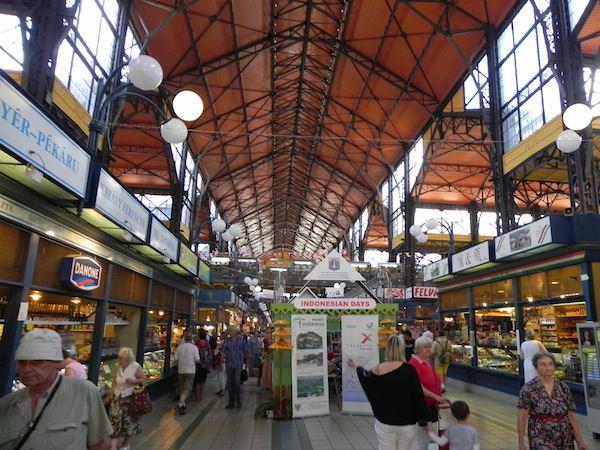Budapests bustling central market