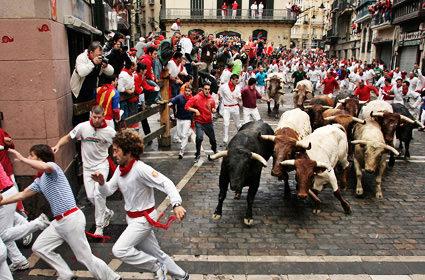 http://europeupclose.com/wp-content/uploads/2012/07/San-Fermin3.jpg