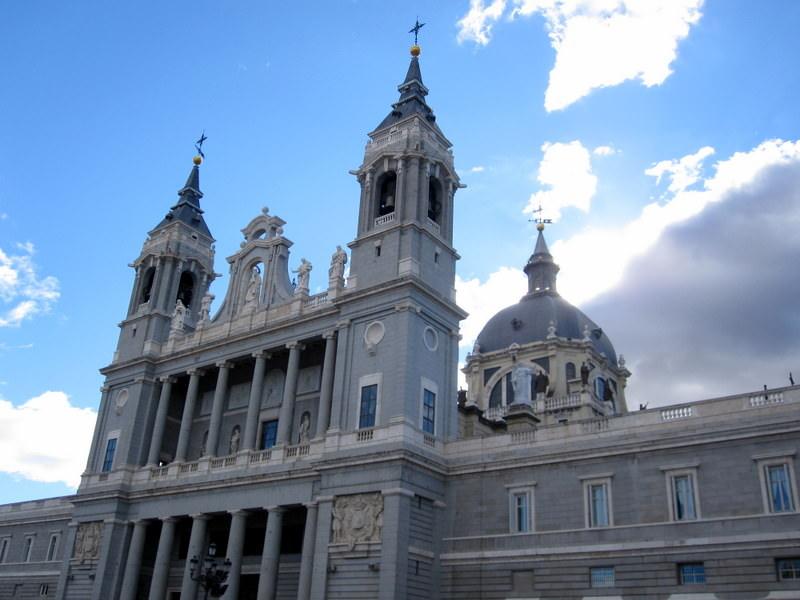 Exterior Almudena Cathedral (opposite Palacio Real)