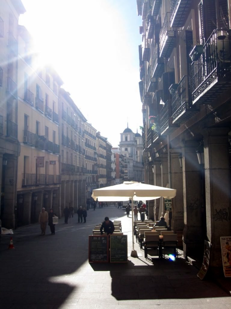 Side alley off Plaza Mayor