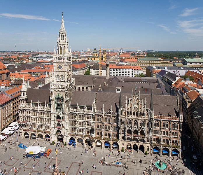 Neues Rathaus and Marienplatz