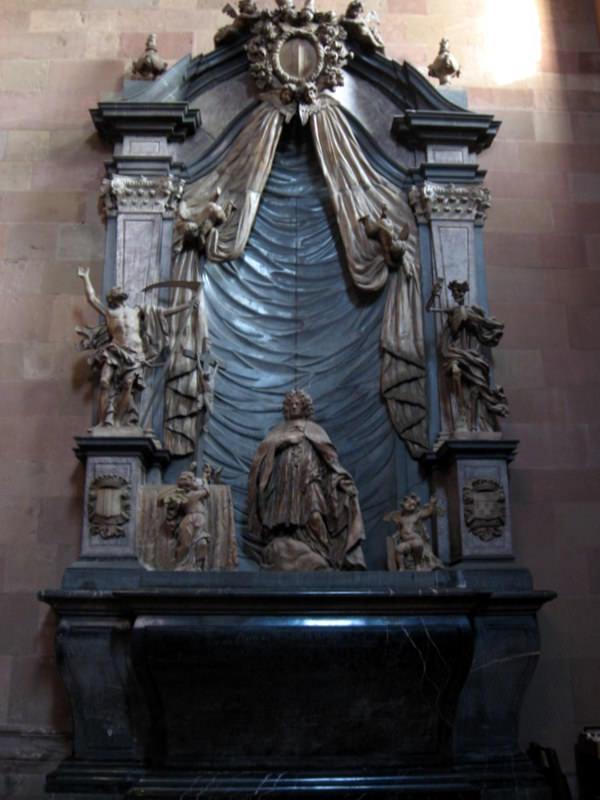 Tomb of Dompropst Heinrich Ferdinand von der Leyen - Mainzer Dom
