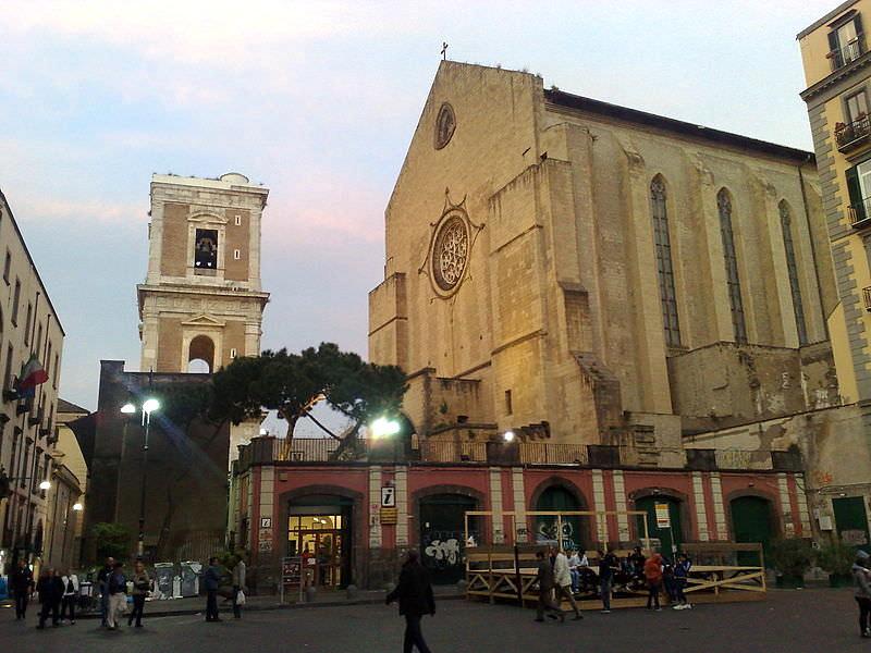 Santa Chiara Exterior -Wikipedia