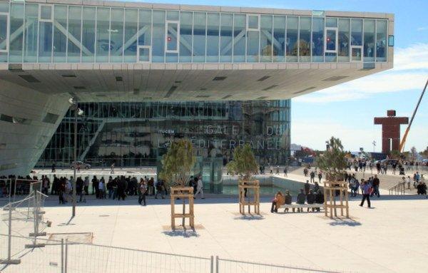 Villa Mediterranean, a new contemporary building in Vieux Port
