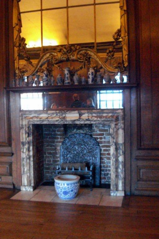 Fireplace, Queens rooms