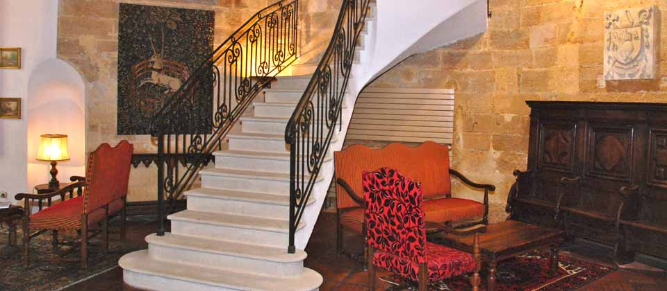 Hotel des Augustins -hall