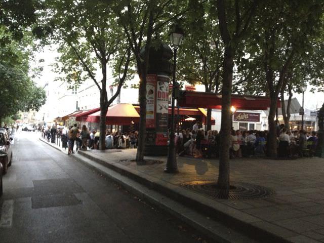 A Sidewalk cafe in the 3rd Ar.
