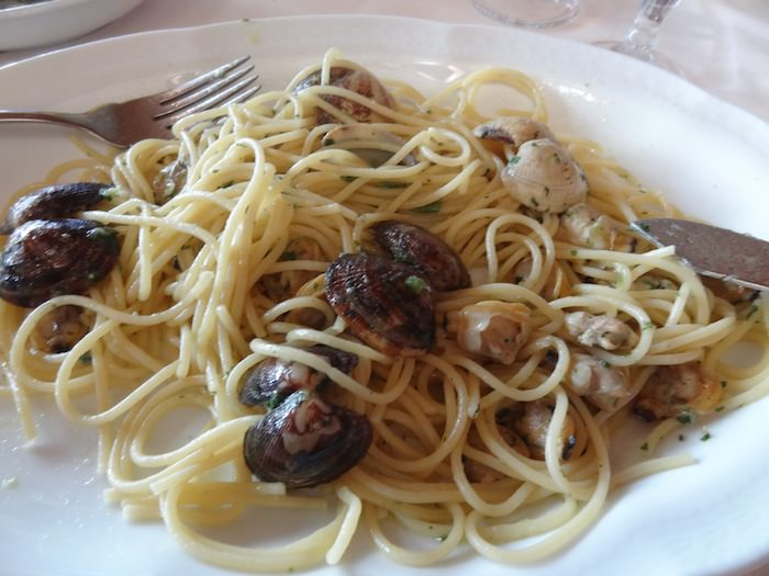 Vongole veraci almost snap at you at Ristorante Marina 70 in Porto Tolle