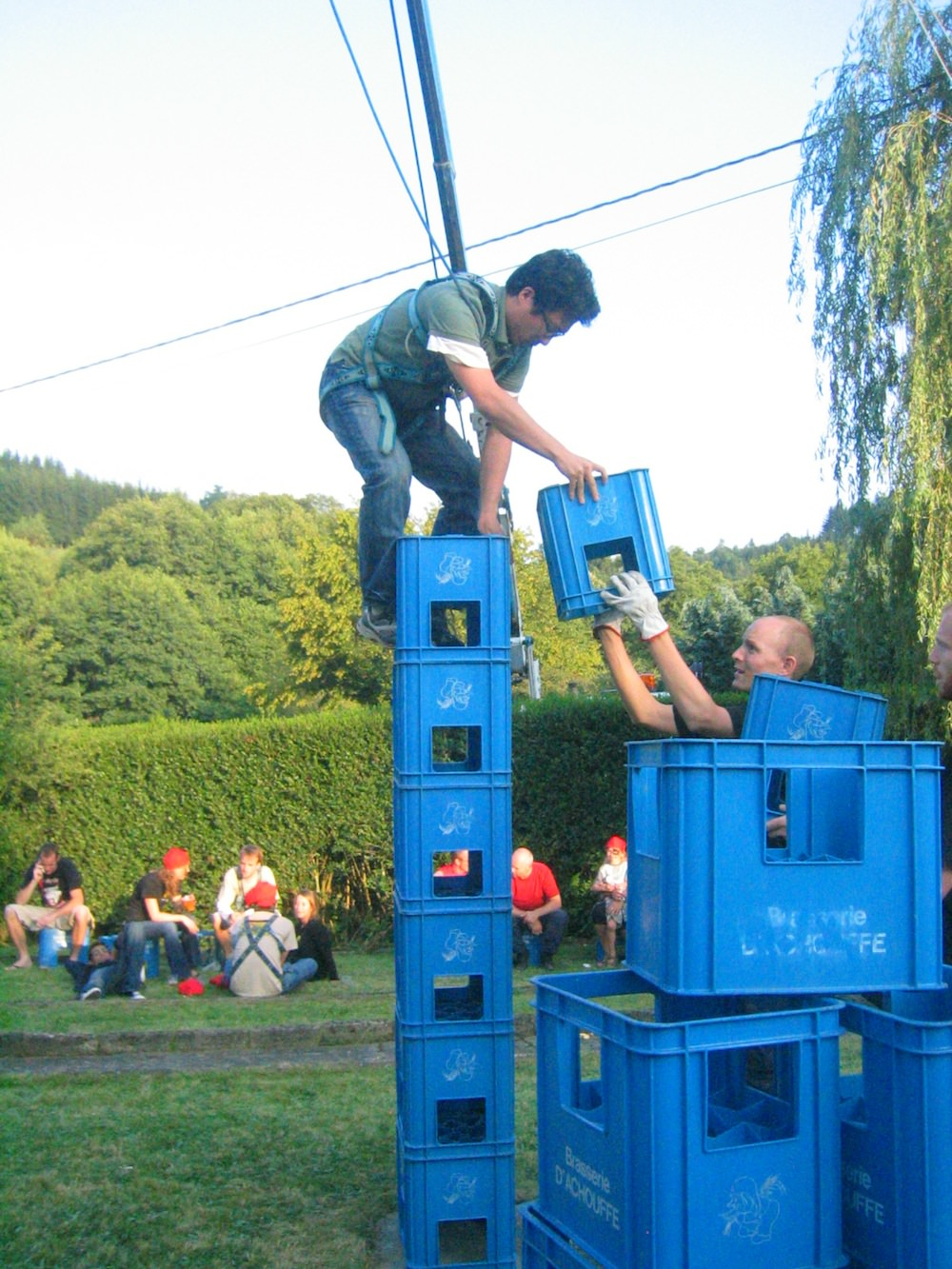American, Jim Cheng demonstrates remarkable balance in the beer crate stacking competition - Photo courtesy Chris Bauweraerts