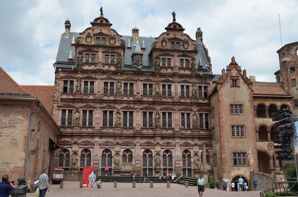 The palace facade bears statues of the German kings