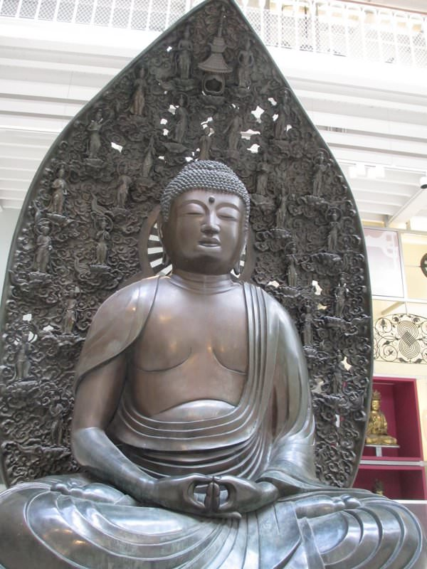Buddha statue in the Grand Gallery