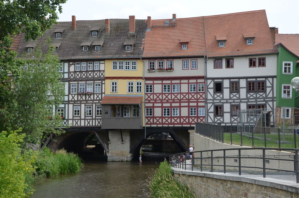 The outside of the Kramerbrucke Bridge