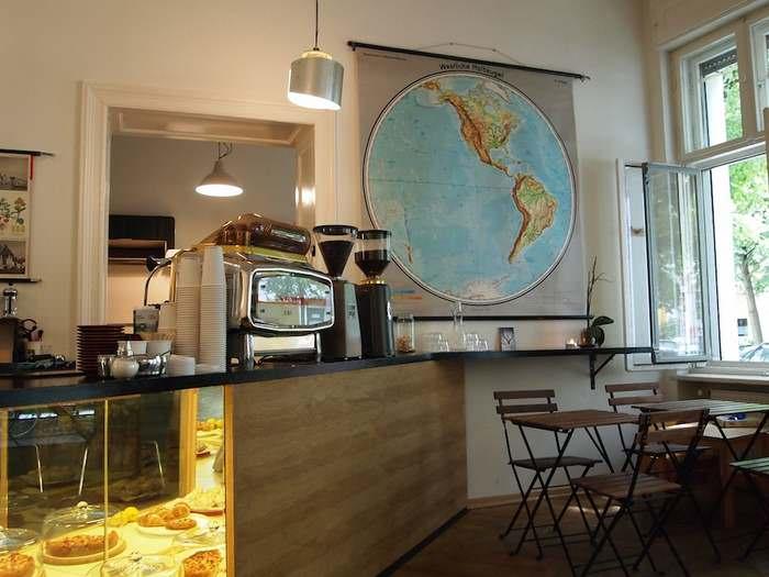 Five Elephant coffee house