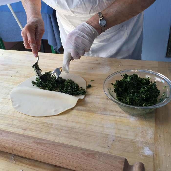 making piadina