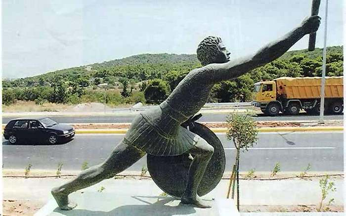Statue of Pheidippides along the Marathon Road