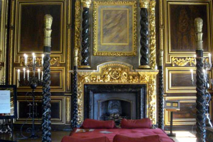 Ornate bedroom at Tredegar House