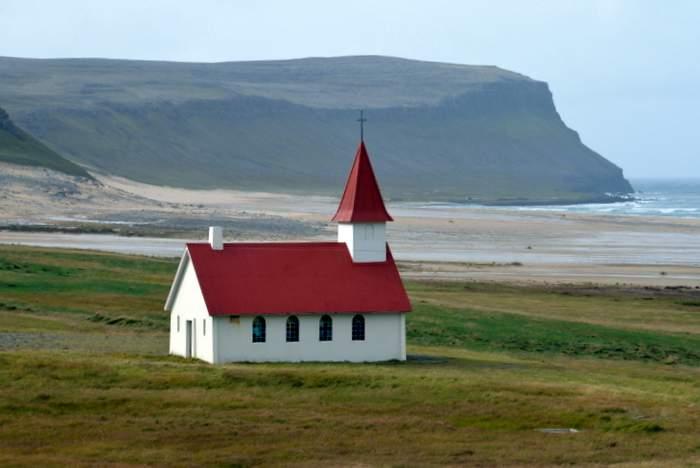 Church in Breidavik , Westfjords