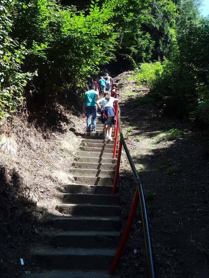 behind Walking behind a group of Romanian school children to see Poenari castle