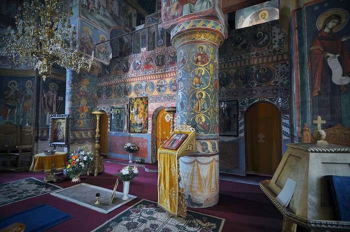 interior of Snagov Monastery