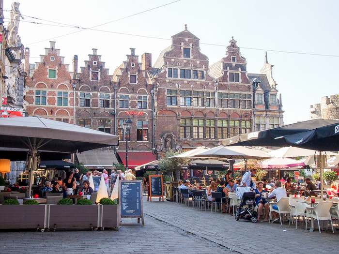 Beautiful architecture and cozy restaurants near Gravensteen in Ghent