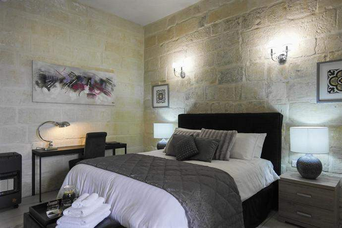 Juleseys B&B in Cospicua, lovely lodging in Malta